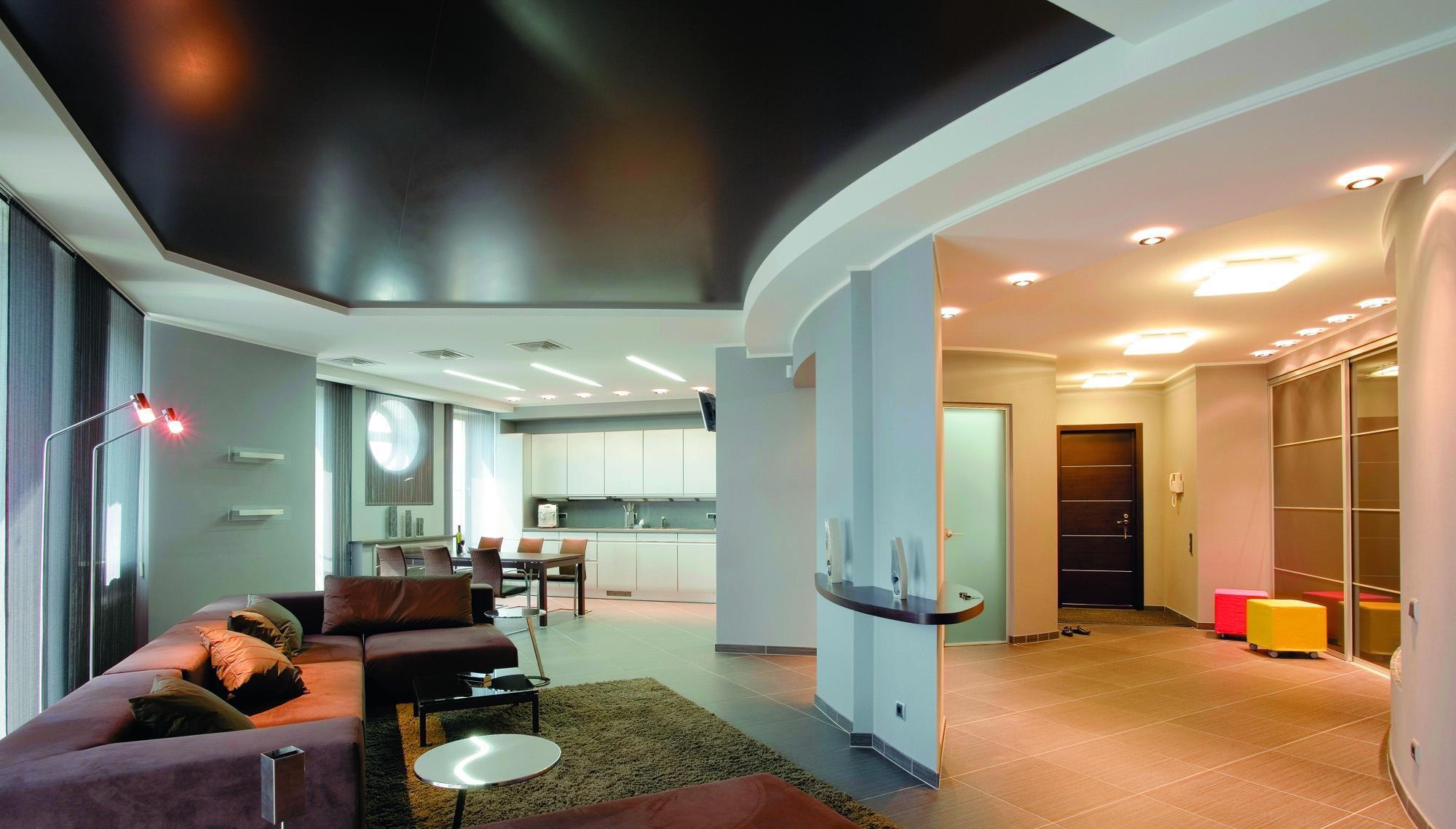 Как ухаживать за натяжными потолками?