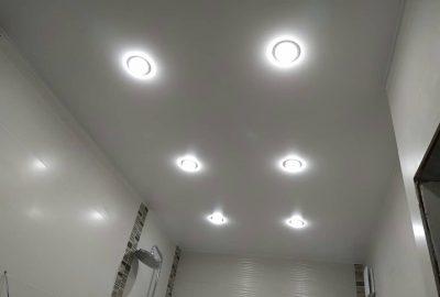Светильники и лампочки